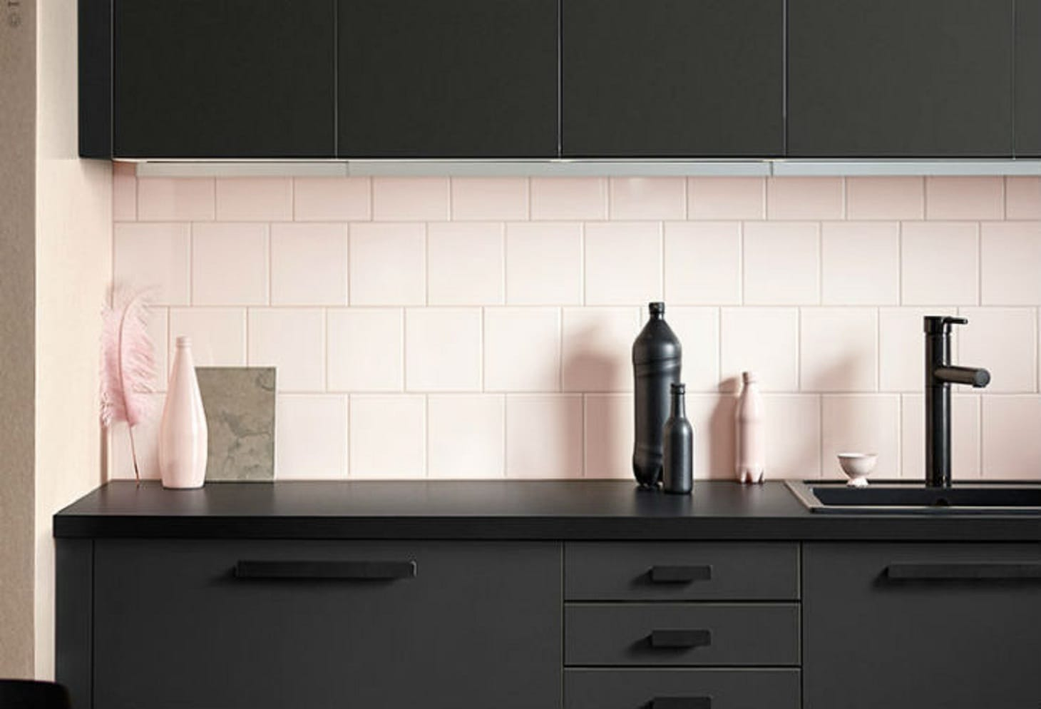kungsbacka la cucina in plastica riciclata di ikea. Black Bedroom Furniture Sets. Home Design Ideas