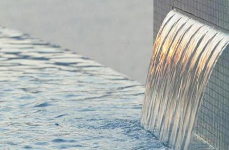 Cascate da interno e fontane da parete l 39 acqua la for Cascata da interno