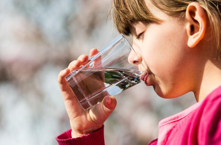 Acqua e bambini: ecco cosa c'è da sapere_alt tag