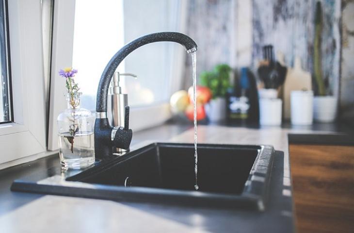 Acqua, un italiano su 3 poco attento allo spreco in casa_alt tag