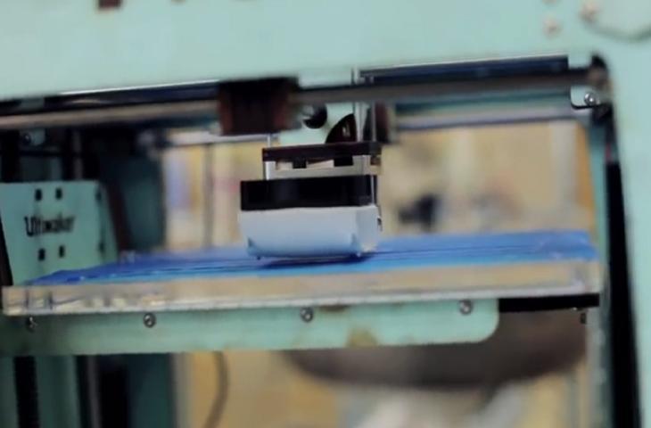 Arriva la stampante 3D che si alimenta con plastica riciclata