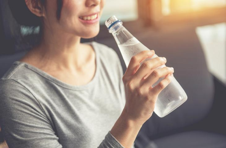Arriva la terapia idrica giapponese per perdere peso – In a Bottle