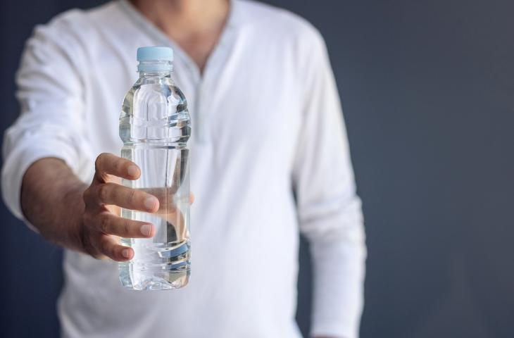 Attività sportiva e idratazione: ecco quanto bere