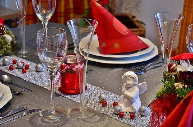 Bere prima dei pasti a Natale aiuta a non prendere peso – In a Bottle