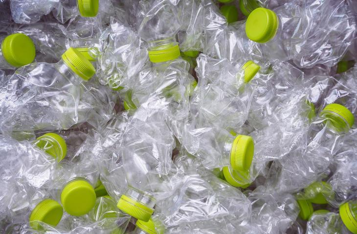 Come rafforzare il cemento con le bottiglie di plastica