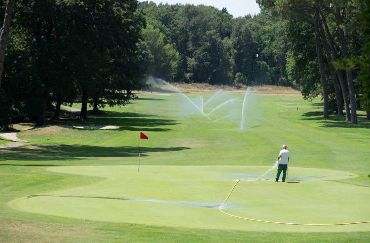Acqua Rigenerata per Irrigare Campi Golf dalla Spagna – In a Bottle