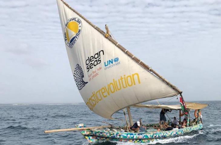 Flipflopi Dhow, la barca fatta di plastica riciclata – In a Bottle