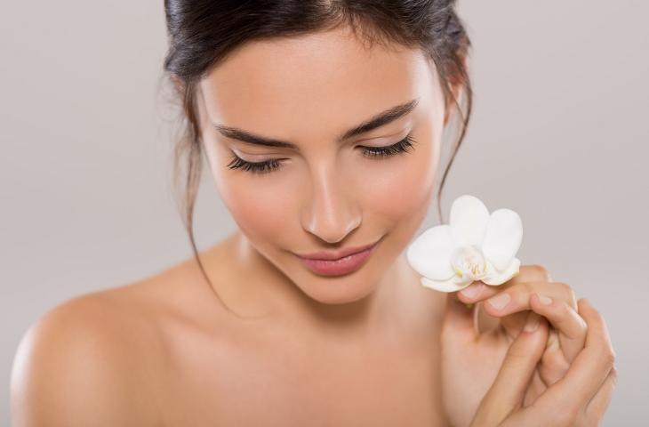 Pulizia e cura della pelle: tutti i vantaggi dell'acqua termale alt_tag