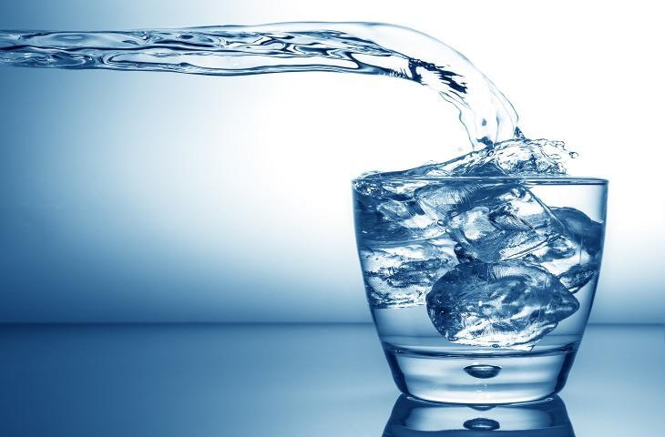6 motivi per cui l'acqua aiuta a risolvere molti problema alt_tag
