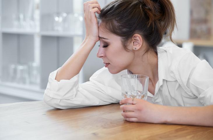 In estate bere acqua aiuta chi soffre di emicrania