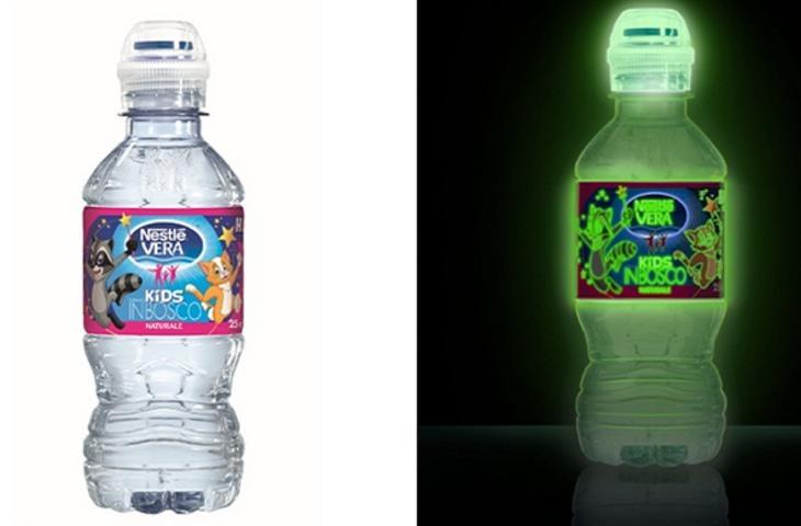 Happy night la bottiglia d acqua che si illumina al buio