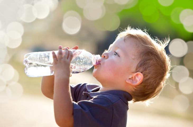 Consigli per Educare i Bimbi a Bere di più in Estate – In a Bottle