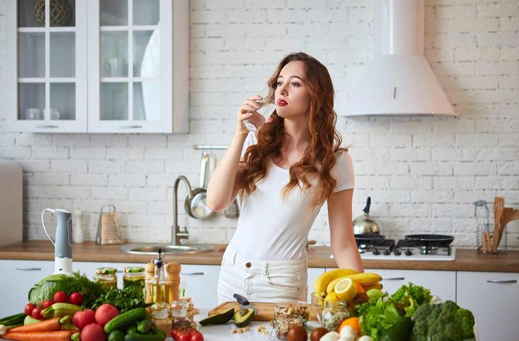 Seguire una corretta alimentazione ed idratazione è fondamentale per rimettersi in forma dopo l'isolamento - In a Bottle