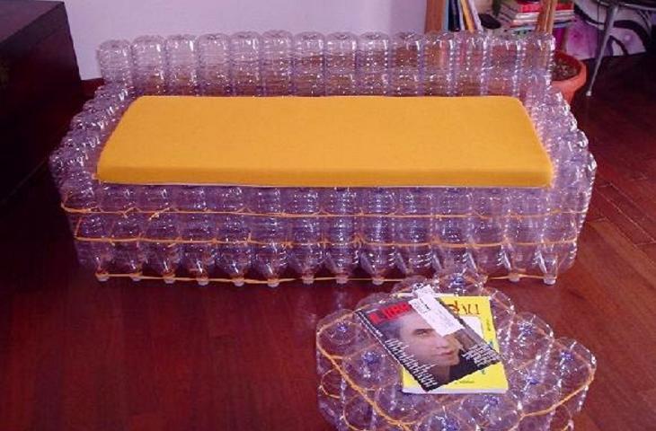 Poltrona Con Bottiglie Di Plastica.Il Divano Eco Friendly Fatto Di Bottiglie Di Plastica Riciclate