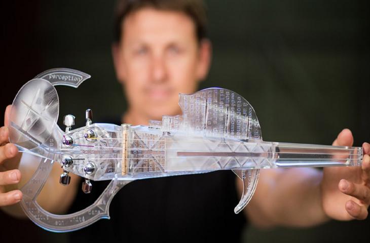 Il violino in plastica 3D ispirato a Stradivari