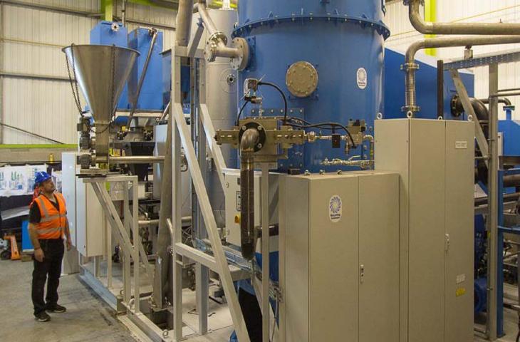 Recycling Tech, la start-up che cambia la plastica in combustibile alt_tag