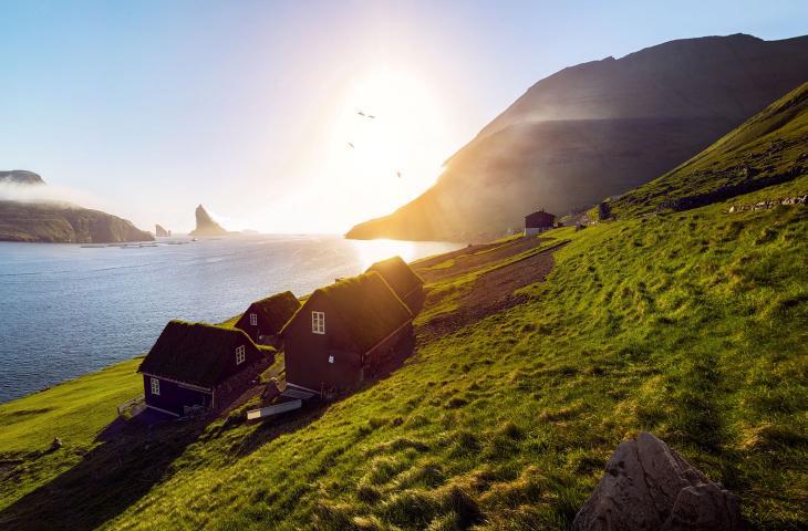 Vivere e lavorare in un'isola semi-deserta? Da oggi si può - In a Bottle
