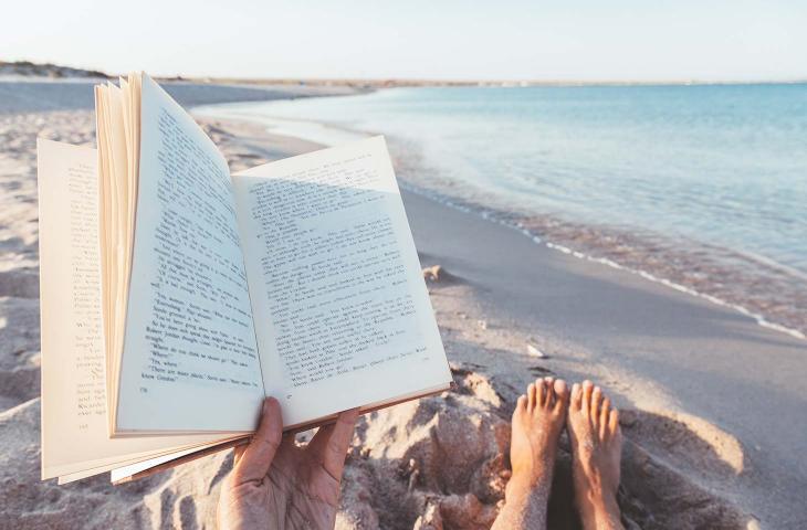 Libri ed acqua, quando quest'ultima ispira la lettura - In a Bottle