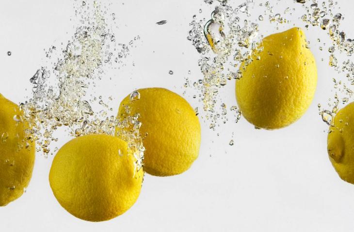 Acqua e limone per rimettersi in forma dopo le feste