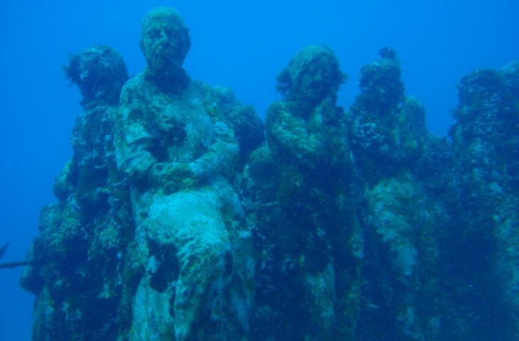 Sculture sott'acqua, i musei subacquei del mondo – In a Bottle