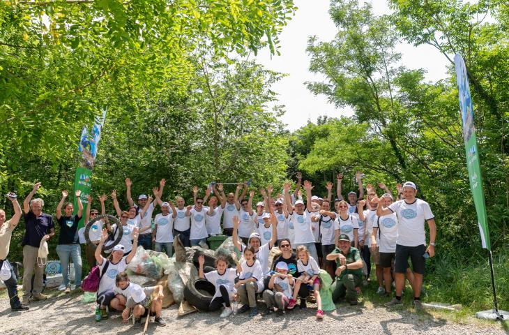 Nestlé on the front line during cleaning activities organised to mark World Oceans Day - In a Bottle
