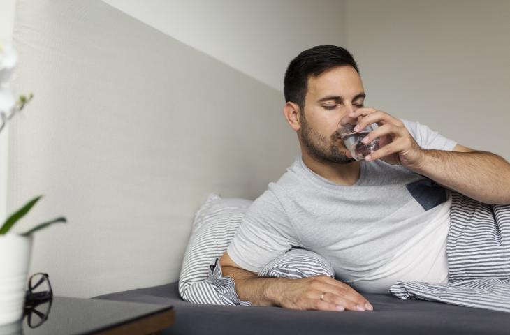 Ora legale e benefici dell'acqua prima di andare a dormire – In a Bottle