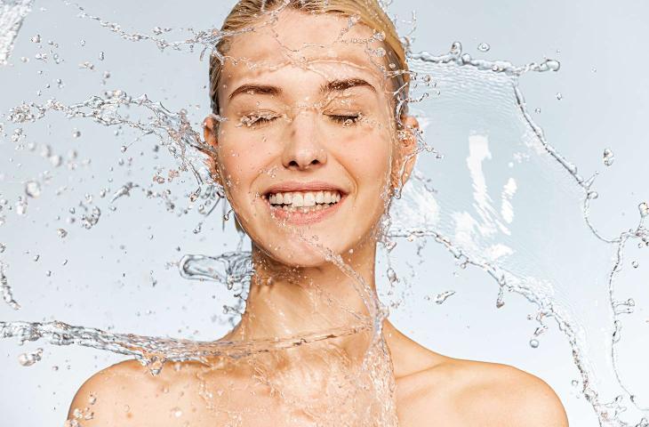 Pelle idratata in estate: consigli e segreti di idratazione - In a Bottle