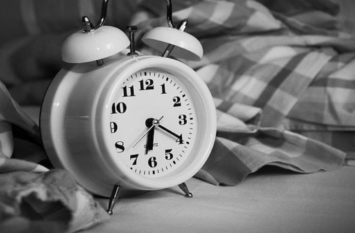 Per dormire meglio fai la lista delle cose da fare e bevi acqua – In a Bottle