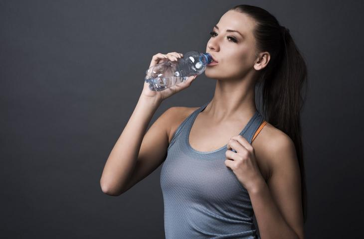 Perdere peso grazie all'acqua: ecco come