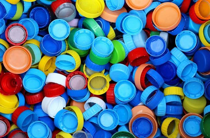 Come riciclare i tappi di plastica? Ecco alcuni consigli - In a Bottle