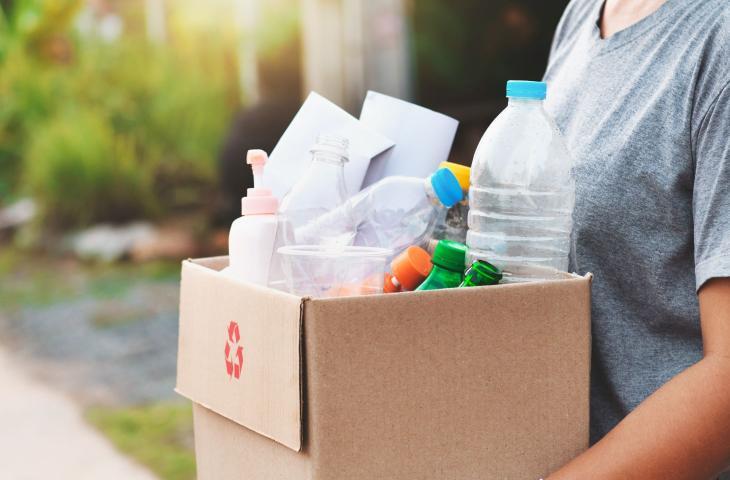 Un macchinario per riciclare la plastica a casa - In a Bottle