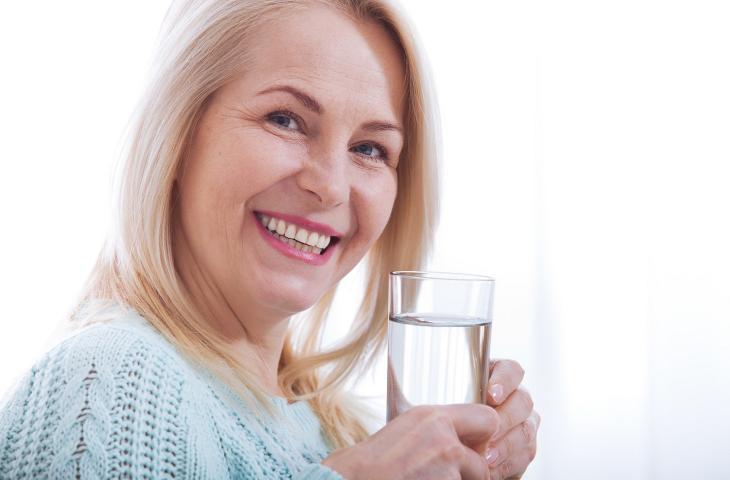 Salute dentale: l'aiuto fondamentale dell'acqua