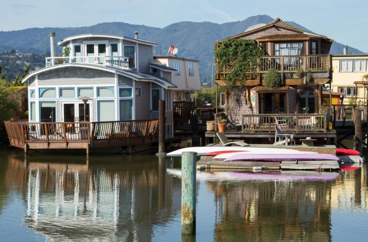 The Gates Cooperative: vivere sulle case galleggianti a Sausalito – In a Bottle
