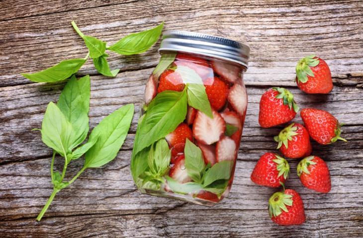 7 ricette di acque aromatizzate per mantenersi idratati alt_tag