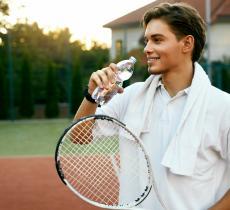 Quanta acqua beve un tennista? - In a Bottle