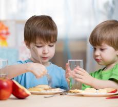 Acqua e colazione bambini: i consigli Sanpellegrino