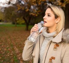 Ecco i 4 consigli per rimanere idratati anche d'inverno