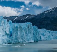 Il ghiacciaio Perito Moreno dà spettacolo in Patagonia alt_tag