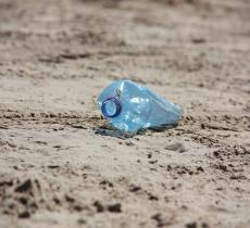 """""""Gyre: The Plastic Ocean"""", riciclo creativo a difesa dei mari"""