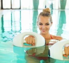 Ginnastica in acqua in estate: in forma con il Water Workout