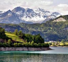 Fusione dei ghiacciai:  le Alpi crescono 2 mm all'anno