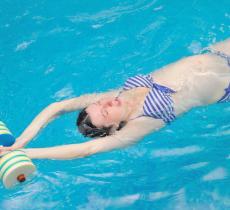La ginnastica in acqua aiuta le donne in gravidanza - In a Bottle