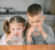 Come educare i bambini ad una corretta idratazione   - In a Bottle