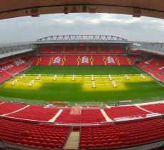 """Il Liverpool diventa sempre più """"green"""" - In a Bottle"""