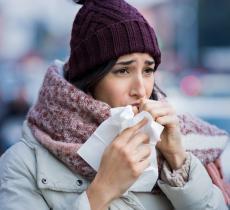 Influenza e raffreddore si combattono con idratazione e riposo