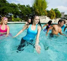 L'Aqua Zumba è il trend del fitness dell'estate