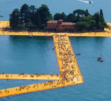Walking on Water: il lungometraggio dedicato all'opera di Christo – In a Bottle