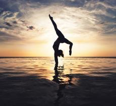 Idratazione e metodo Bikram Yoga per battere lo stress