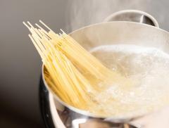 Cucinare Pasta in Acqua Fredda – In a Bottle