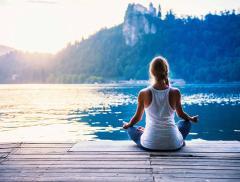 Woga o Water Yoga: lo Yoga in Acqua Calda – In a Bottle
